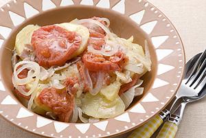 じゃがいも・ベーコン・トマトの重ね煮
