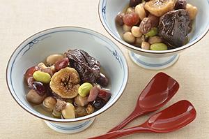 豆とドライフルーツの梅酒煮